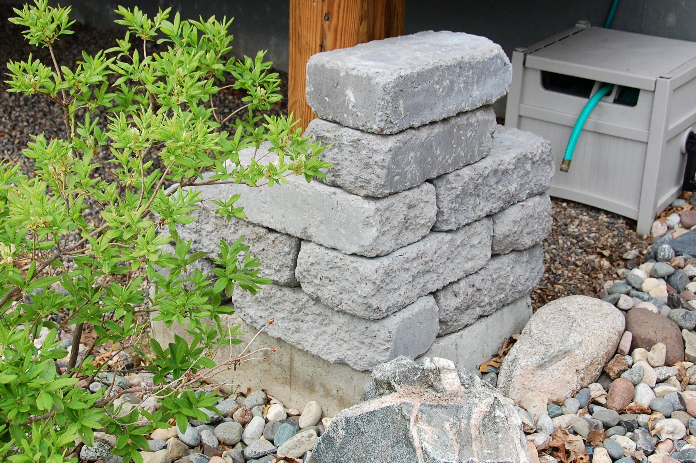Building Stone Pillars : July bobbleheadbaby