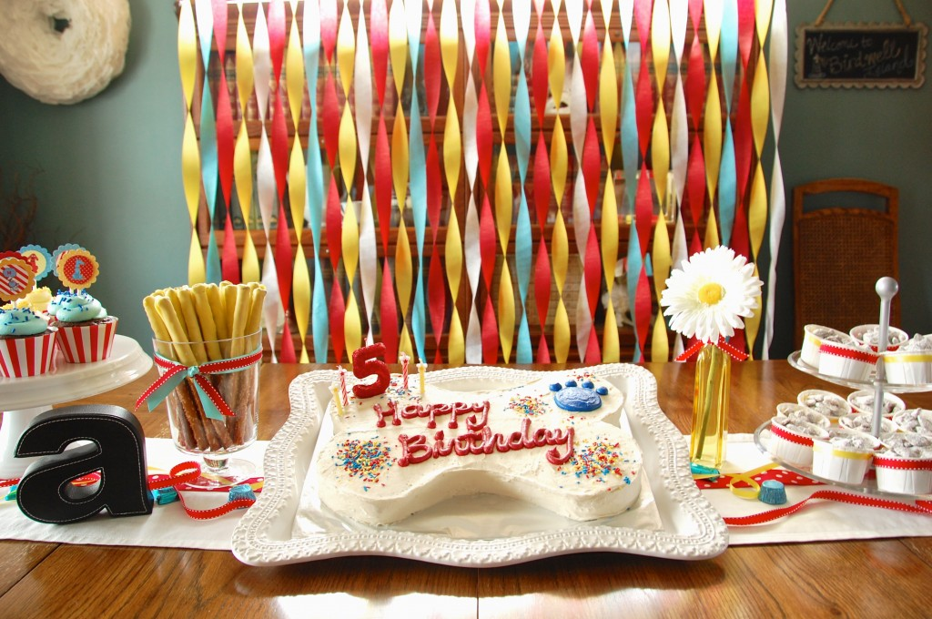 Clifford the Big Red Dog Birthday Party Cake Table