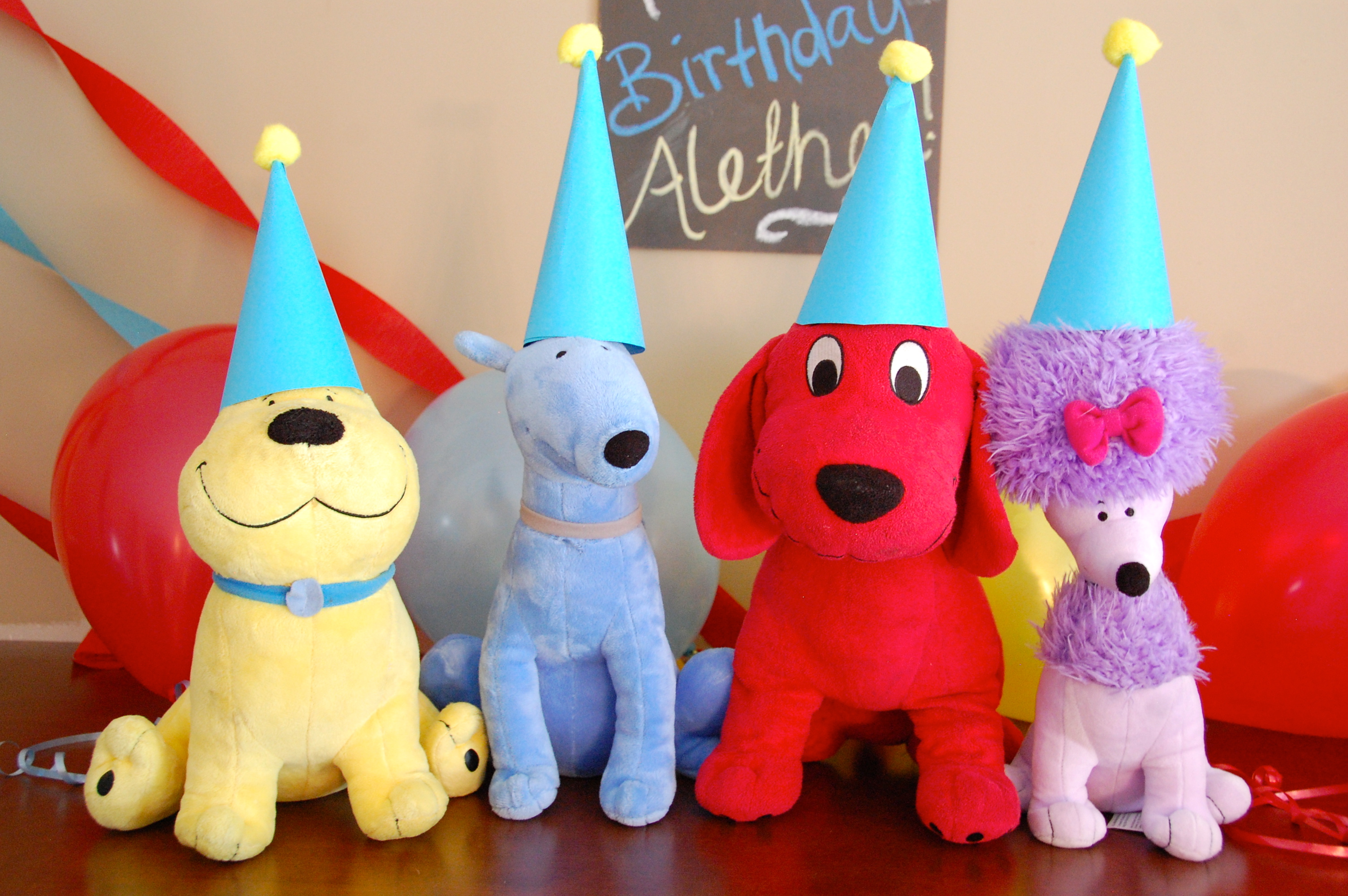Clifford The Big Red Dog Party Hats