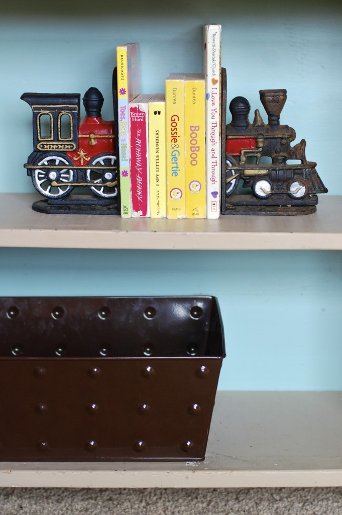 train bookends baby boy nursery
